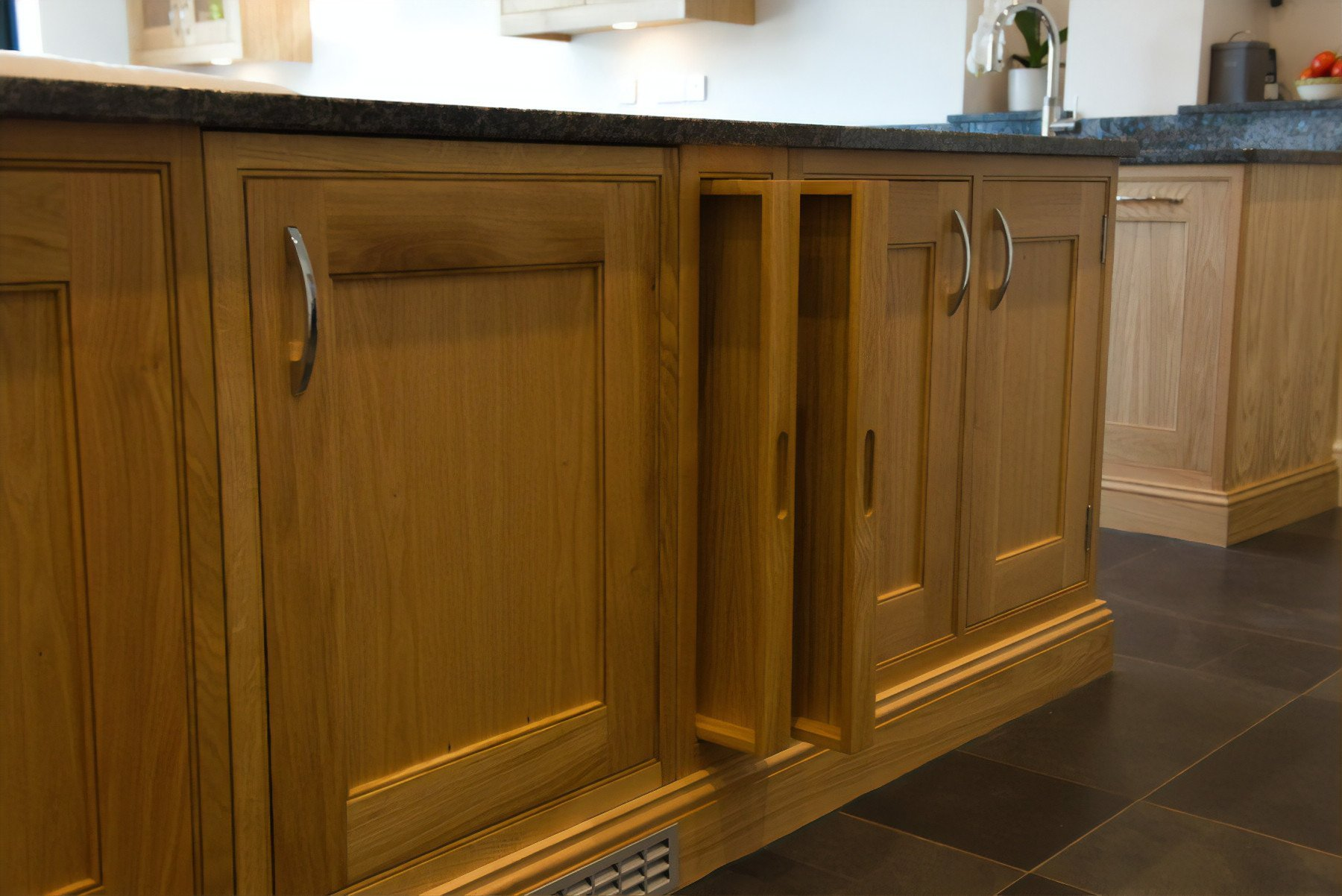 Classic Oak Framed Kitchen